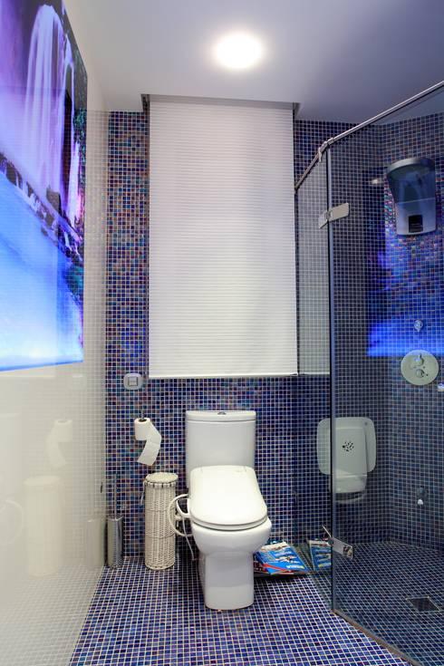 Baño: Baños de estilo  de construcciones y reformas Viguera