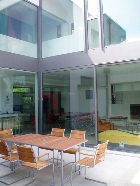 Maison à Malzéville: Maisons de style  par MHA ARCHITECTURE