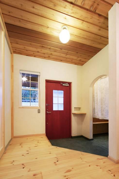 S's HOUSE: dwarfが手掛けた廊下 & 玄関です。
