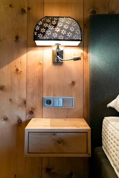 kitzb heler chaletstil von kitzb heler werkst tten homify. Black Bedroom Furniture Sets. Home Design Ideas