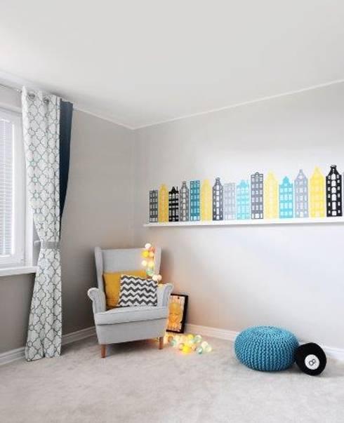 Quartos de criança clássicos por IDeALS   interior design and living store