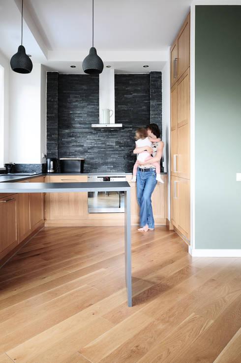 Mieszkanie? Naturalnie! - kuchnia: styl , w kategorii Kuchnia zaprojektowany przez IDeALS | interior design and living store