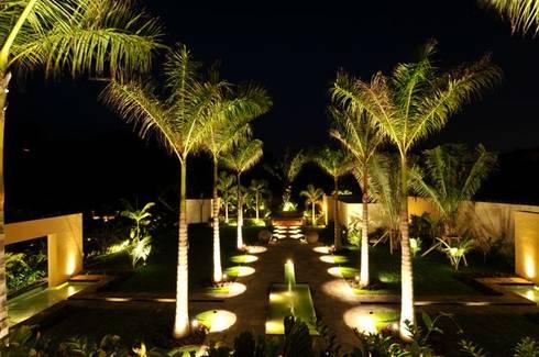 Villa Nilpy: Jardín de estilo  por Tropical America landscaping