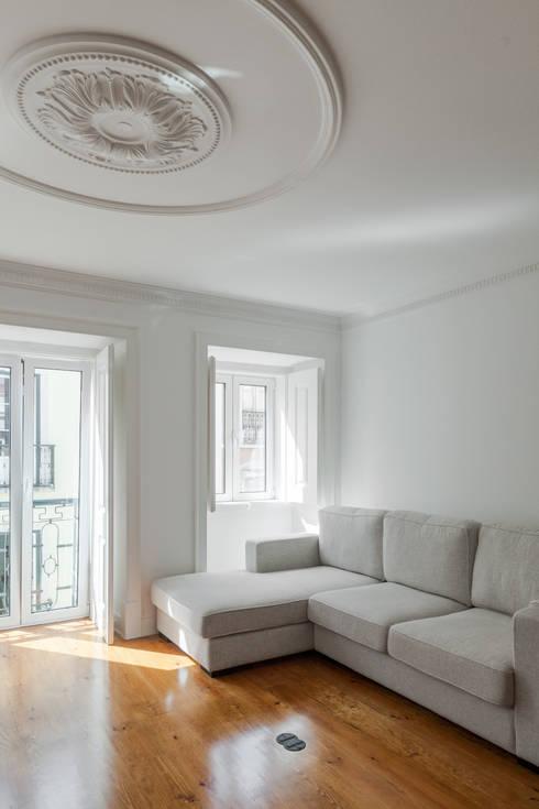 Apartamento São Caetano: Salas de estar minimalistas por Vanessa Santos Silva | Arquiteta