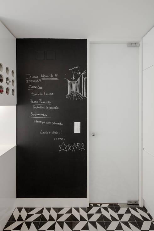 Projekty,  Kuchnia zaprojektowane przez Vanessa Santos Silva   Arquiteta