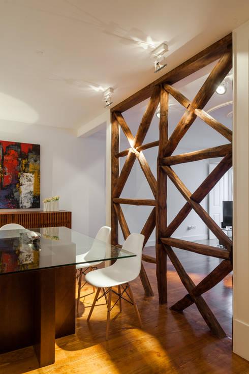 Sala da pranzo in stile in stile Minimalista di Vanessa Santos Silva | Arquiteta
