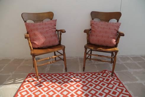 Tapetes: Jardín de estilo  por Casa Porfiria