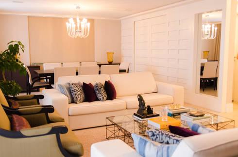 Apartamento Alto de Pinheiros: Salas de estar modernas por Doppia Arquitetura e Interiores
