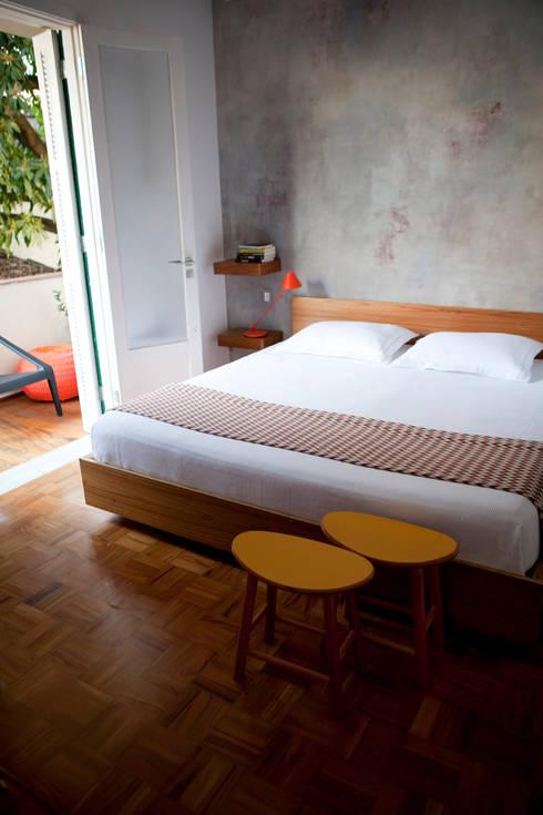 Apartamento Gabriel Monteiro da Silva: Quarto  por Bruschini Arquitetura