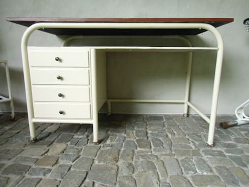 Bauhaus arztschreibtisch von susduett homify for Schreibtisch 40er