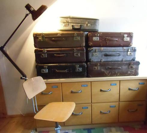 vintage koffer vulkanfiber veb kindelbr ck von maduett homify. Black Bedroom Furniture Sets. Home Design Ideas