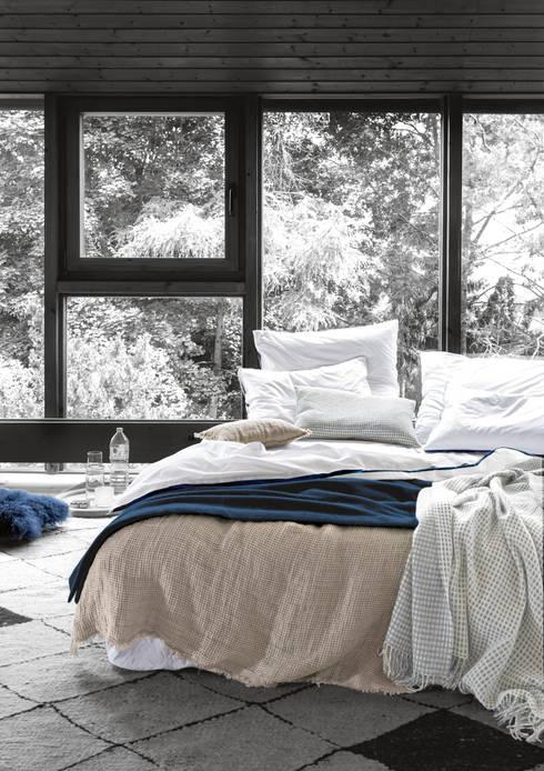 Leinen und Baumwolle im Schlafzimmer:  Schlafzimmer von 'zoeppritz since 1828'