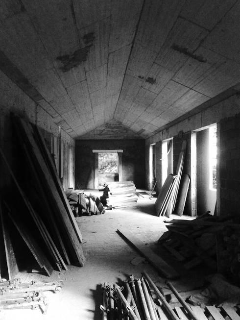 Casa Ribeira Seca:   por MSB Arquitectos