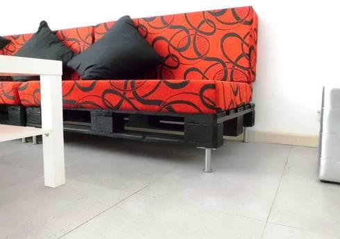 Sillas y Sillones: Salas de estilo moderno por Ape Muebles