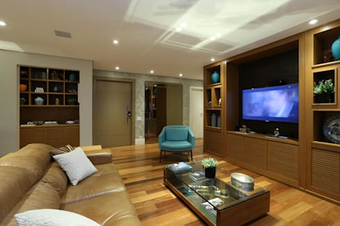 Apto em SP: Salas de estar modernas por Danielle Tassi Arquitetura e Interiores