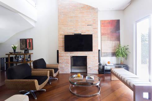 Casa Residencial SP: Salas de estar modernas por Danielle Tassi Arquitetura e Interiores