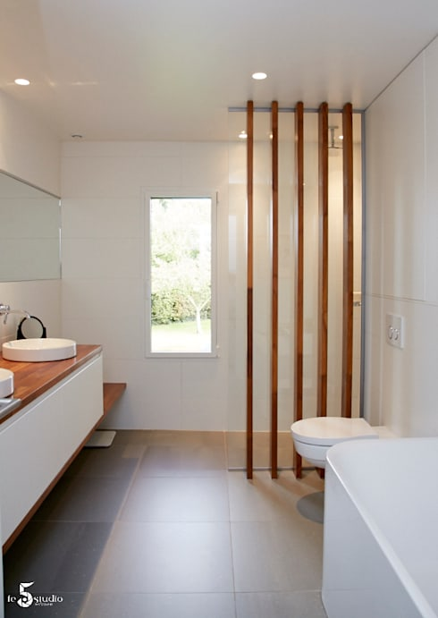 une salle de bain zen: Salle de bains de style  par Emilie Bigorne, architecte d'intérieur CFAI