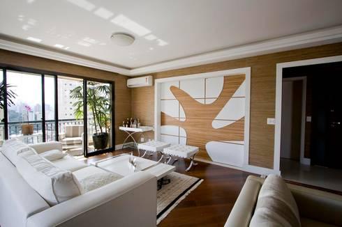 SPLASH - estar e home: Salas de estar modernas por studio luchetti