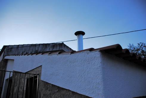 Out: Casas rústicas por JOÃO SANTIAGO - SERVIÇOS DE ARQUITECTURA