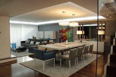 Home sweet home: Salas de jantar modernas por Grupo HC