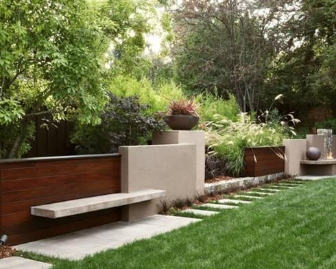 BLOKS, MADERA, CONCRETO.: Balcones y terrazas de estilo minimalista por ENFOQUE CONSTRUCTIVO