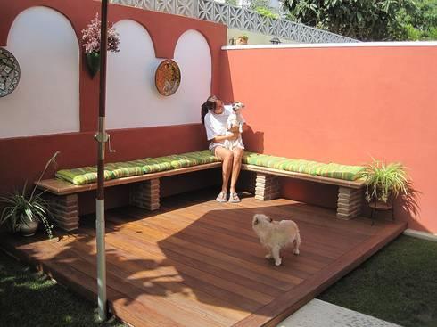 TERRAZAS: Balcones y terrazas de estilo minimalista por ENFOQUE CONSTRUCTIVO