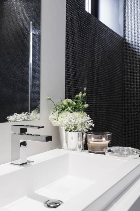 Salle de bains de style  par CASA MARQUES INTERIORES