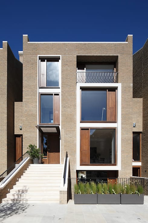 Macauley Road Townhouses, Clapham:  Houses by Squire and Partners