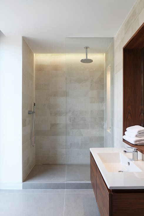 Macauley Road Townhouses, Clapham:  Bathroom by Squire and Partners