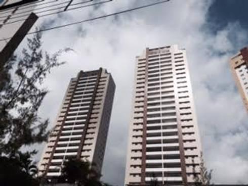 Maison Miramar: Edifícios comerciais  por BRASCON CONSTRUTORA