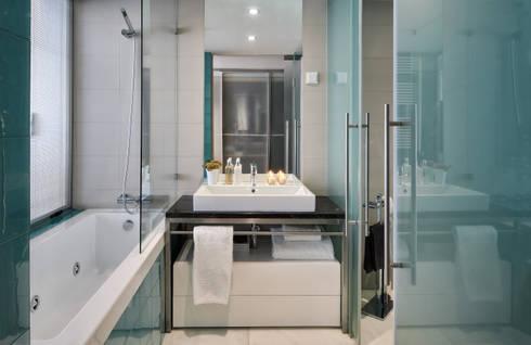 Apartamento Cascais: Casas de banho modernas por Silvia Costa |  Arquitectura de Interiores