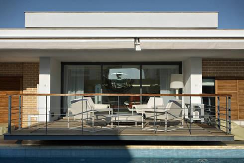 Casa Luanda: Terraços  por Silvia Costa |  Arquitectura de Interiores