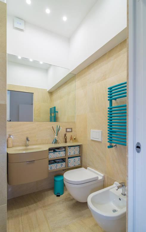 Appartamento C&F: Bagno in stile in stile Moderno di Marcella Pane
