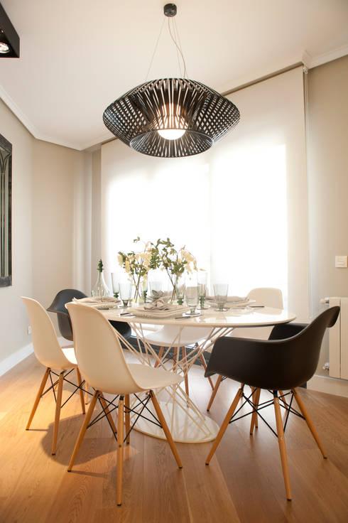 Salas de jantar modernas por Sube Susaeta Interiorismo