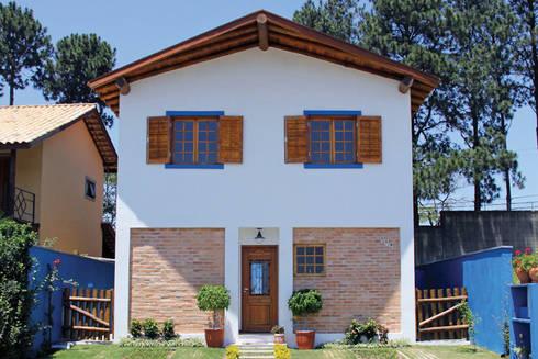 Casa Simples e Confortável: Casas rústicas por RAC ARQUITETURA