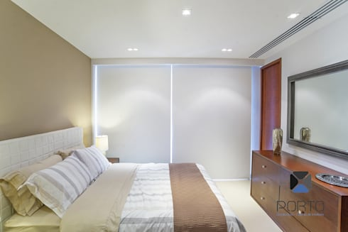 """Proyecto 'Penthouse Yucatan Country Club"""": Recámaras de estilo ecléctico por PORTO Arquitectura + Diseño de Interiores"""
