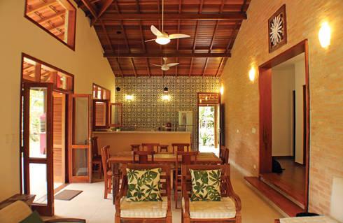 Rústica e Colonial: Salas de estar coloniais por RAC ARQUITETURA