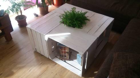 couchtisch auf rollen von jolandes holzbuedchen homify. Black Bedroom Furniture Sets. Home Design Ideas
