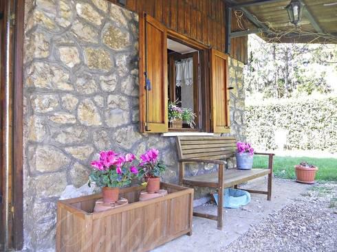Altipiani di arcinazzo villa con pianeggiante e ampio for Laghetto tartarughe terrazzo