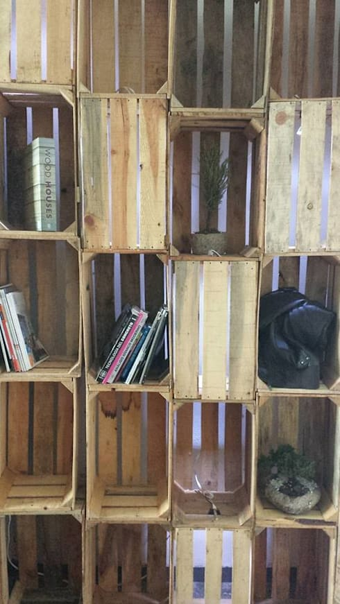 Decoración y mobiliario: Vestidores y closets de estilo moderno por RM Furniture