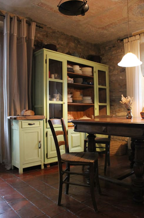 9 idee per rendere sempre attuale la credenza con vetrina - Vetrina per cucina ...
