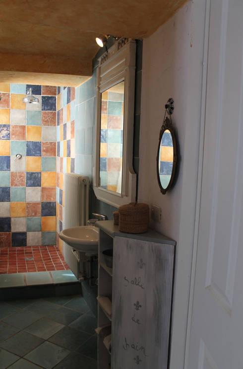 Baños de estilo rústico por Naro architettura restauro       'Dein Landhaus im Piemont'