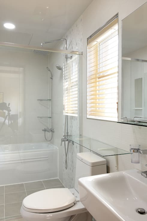 modern Bathroom by woodsun