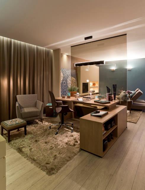 Interiores Iara Santos의  서재 & 사무실
