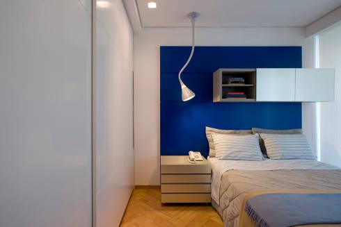 Apartamento Lourdes: Quartos  por Viviane Lima Arquitetura