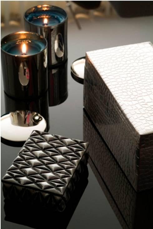 Caixas em Prata : Salas de estar modernas por Andreia Marques Designer de Interiores