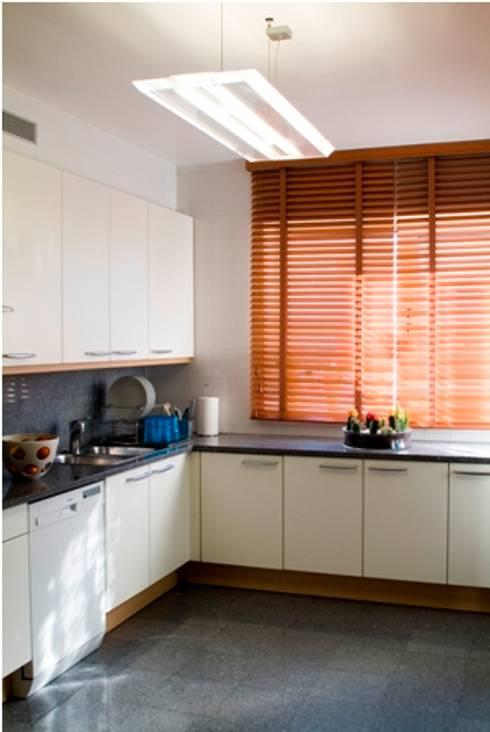 Cozinha : Cozinhas modernas por Andreia Marques Designer de Interiores