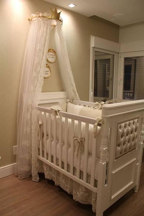Móveis Quarto Bebê: Quarto de crianças  por Betsy Baby Design