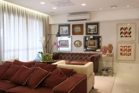 APARTAMENTO   VB: Salas de estar clássicas por AC Arquitetura + Design