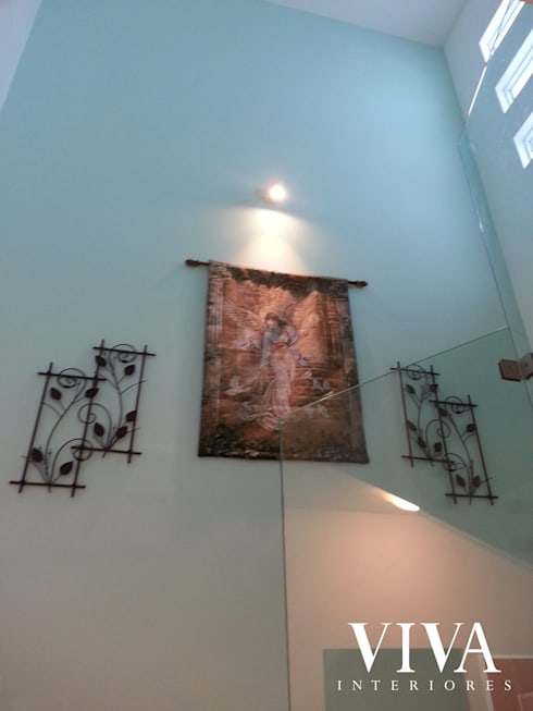 Oporto 416: Pasillos y recibidores de estilo  por VIVAinteriores